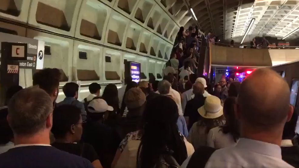 Farragut West Metro station evacuated due to bomb threat | WJLA