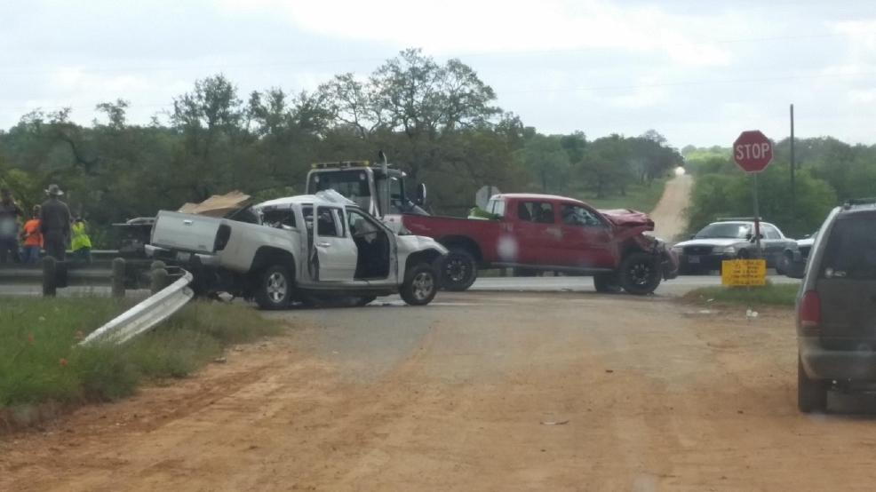 Three dead after major wreck in Wilson County | WOAI