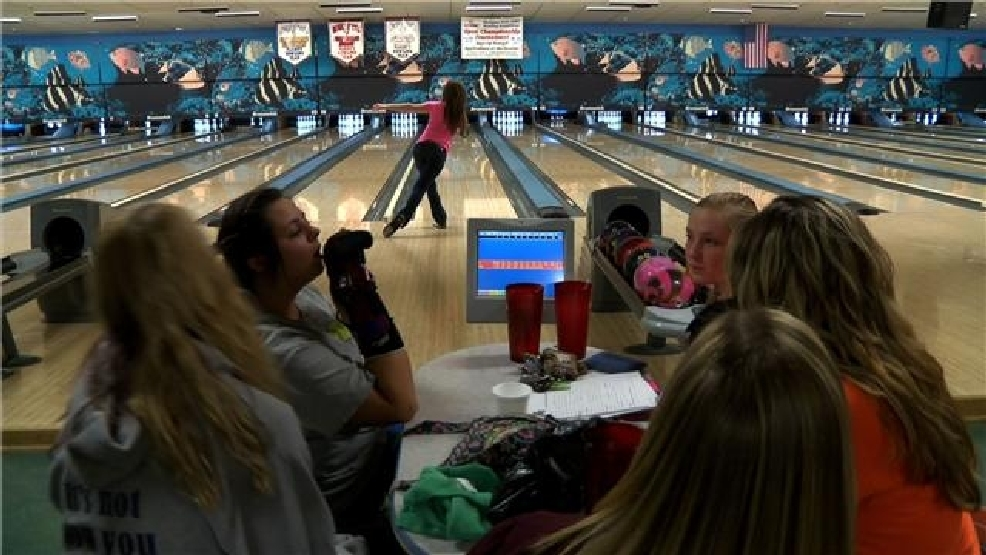 'Oh no, Kearsley's here' Girls bowling team keeps rolling | WEYI