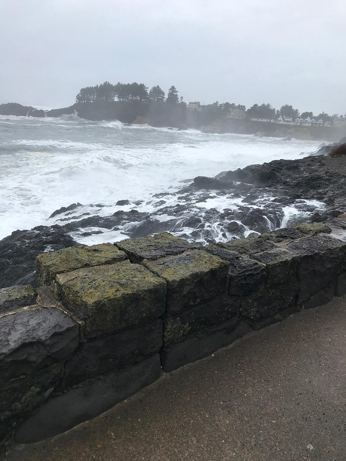 Sea wall at Depoe Bay - Image from Oregon State Police on January 18, 2018.jpeg