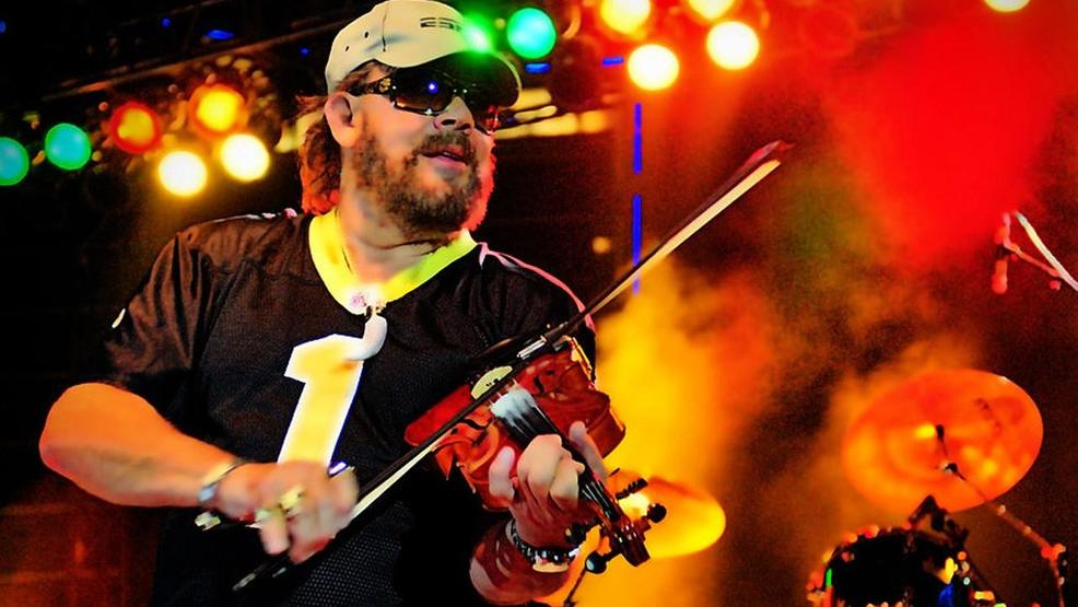 Hank Williams Jr Adambroachphoto CC BY-SA 3.0 US.jpg