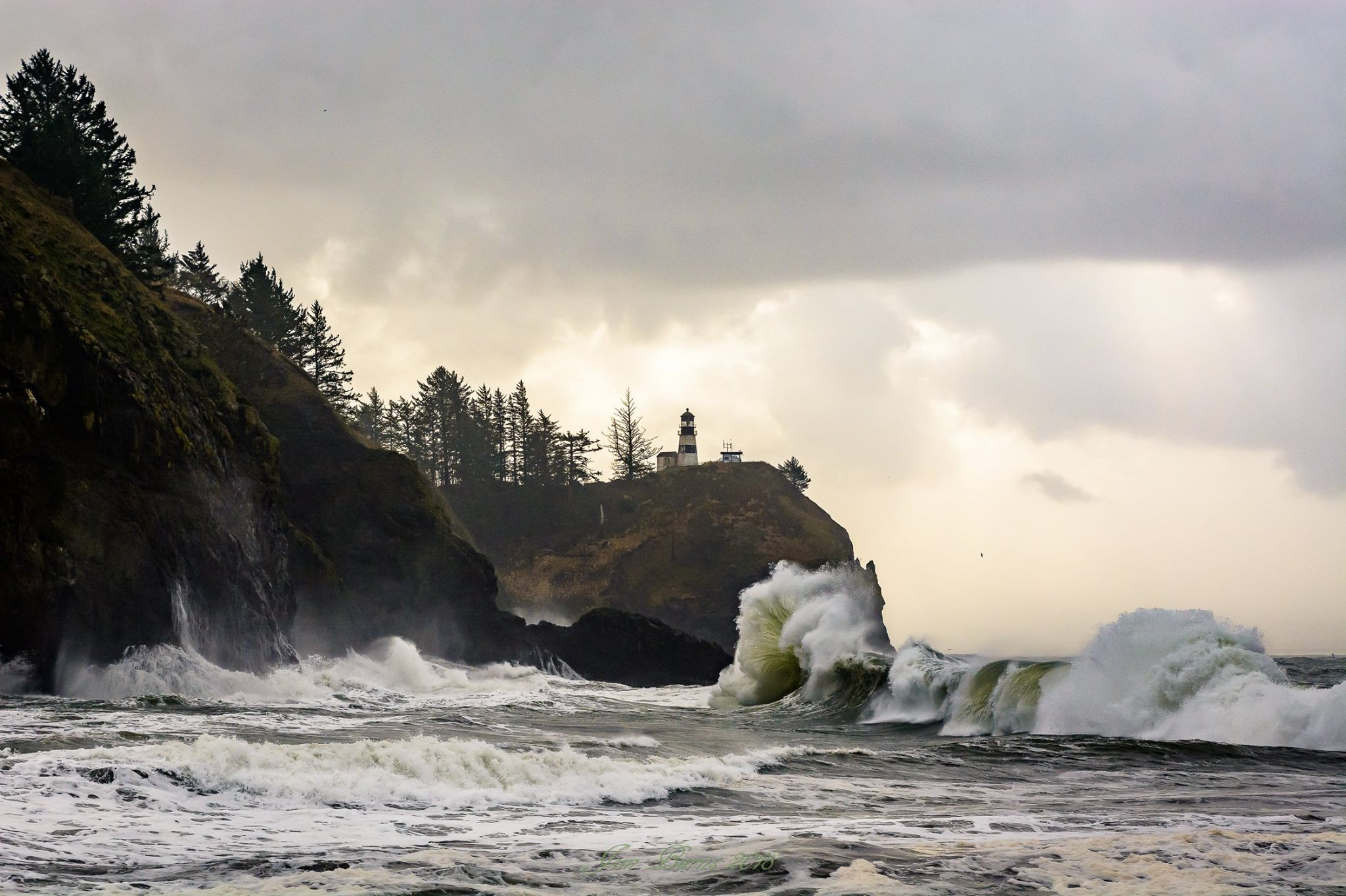 Waves crash at Cape Disappointment State Park. (Photo: Jim Burns)