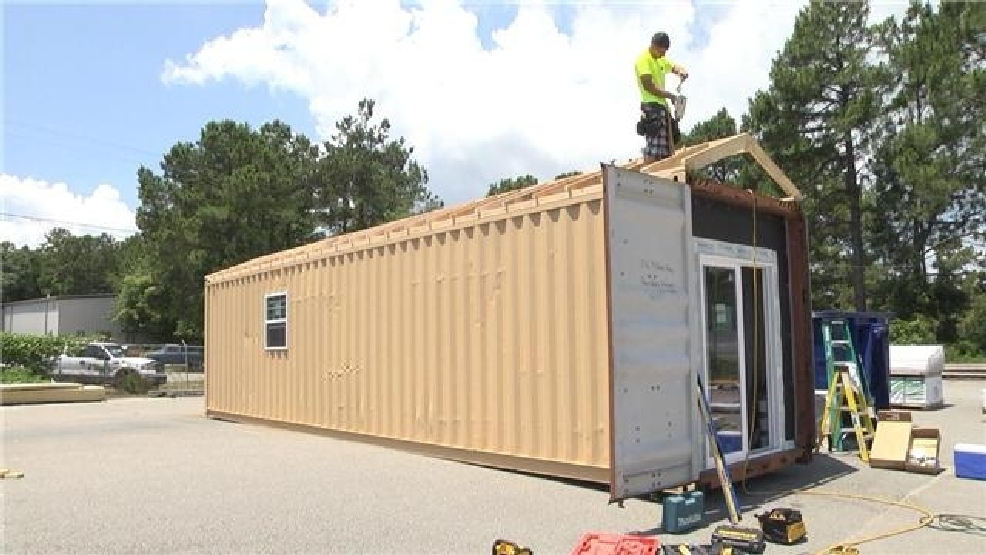 Volunteers turning shipping containers into homes for veterans wpde - Turning shipping containers into homes ...