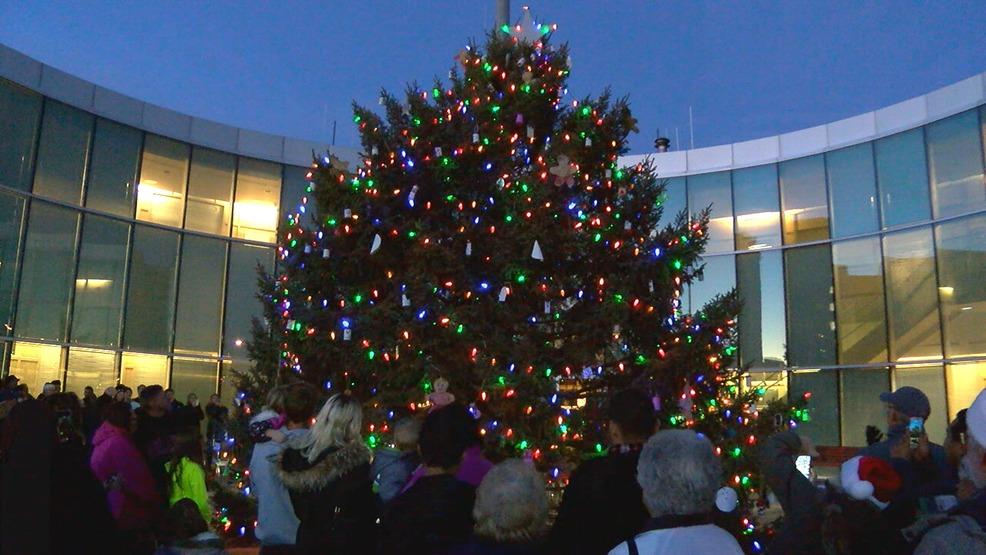 Dd Christmas.Christmas Comes To Downtown Grand Island Khgi