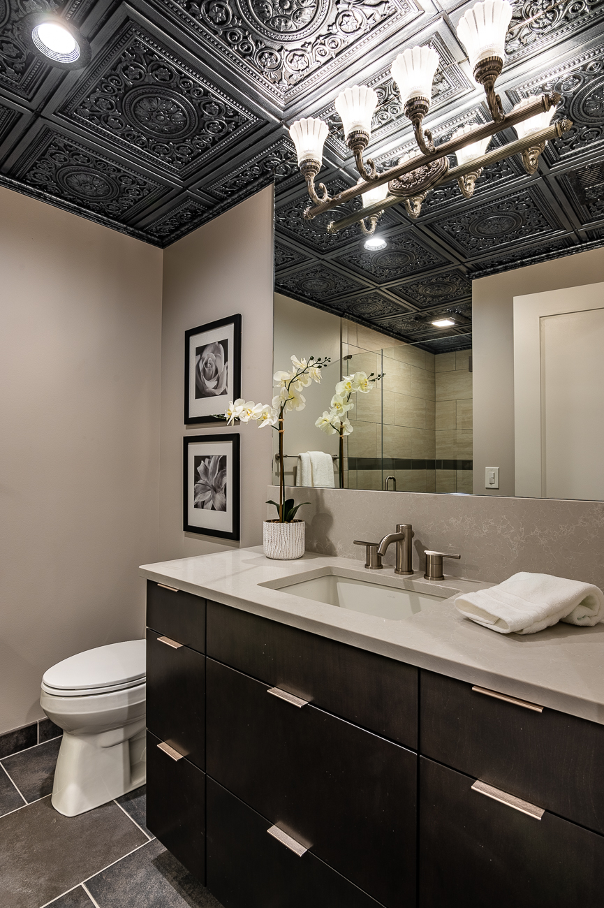 "1800 Race Street Unit #301 is on the market for $975,000. It is listed by Rebecca Weber, Huff Realty. /{&nbsp;}<a  href=""https://loginlax.rapmls.com/Reports/ReportViewer.aspx?hidMLS=CIN&emailReportRid=99330942&hidEntryPoint=ME"" target=""_blank"" title=""https://loginlax.rapmls.com/Reports/ReportViewer.aspx?hidMLS=CIN&emailReportRid=99330942&hidEntryPoint=ME"">View listing</a>{&nbsp;}/ Image: Phil Armstrong // Published: 1.6.20"