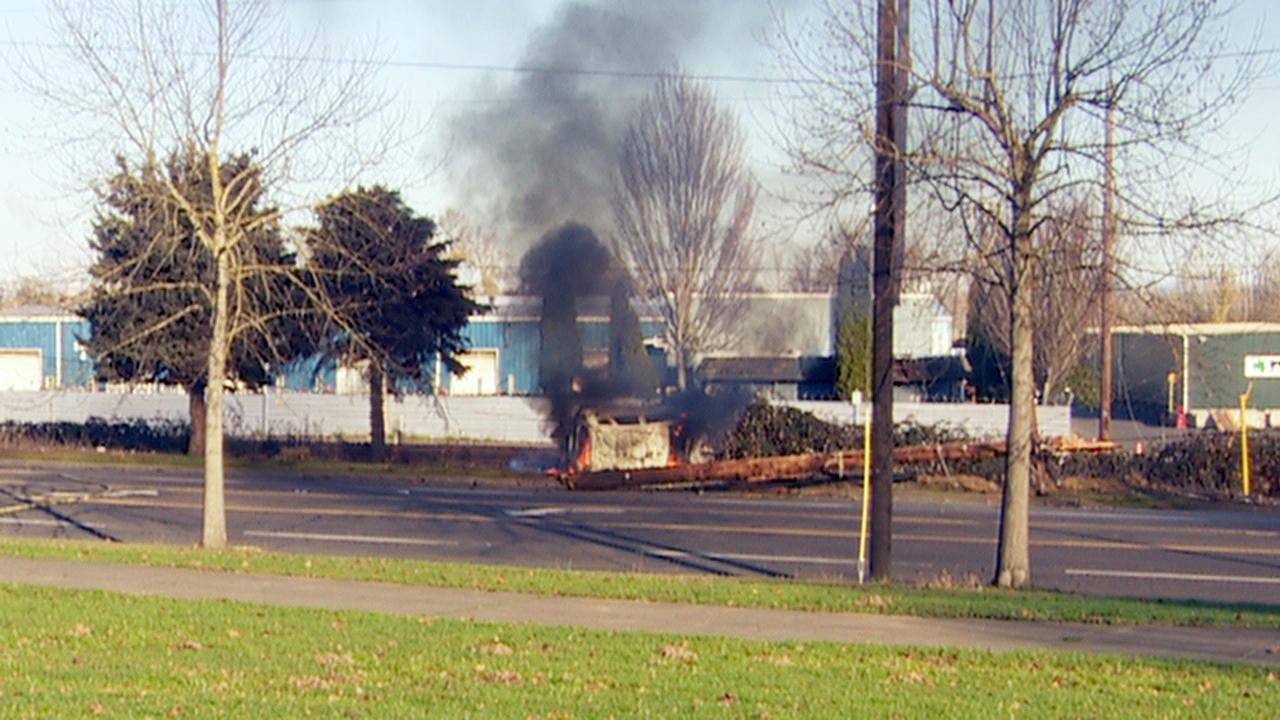 Fiery crash on North Columbia - KATU image - 5.jpg