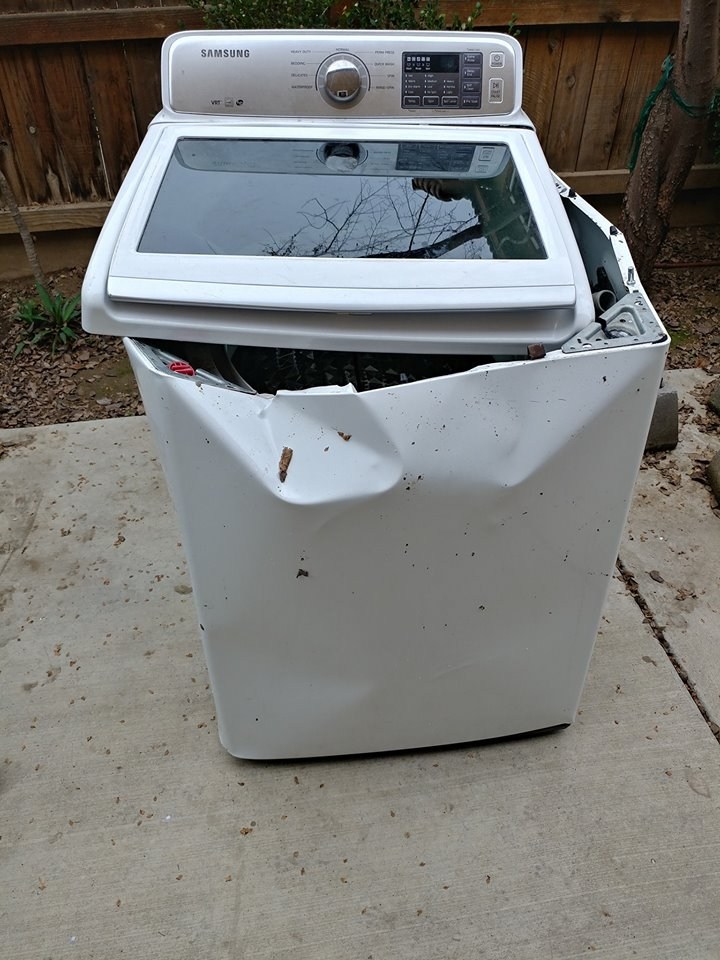 Front image of Samsung top load washer after explosion. (Courtesy of Gabriel Ortega)<p></p>