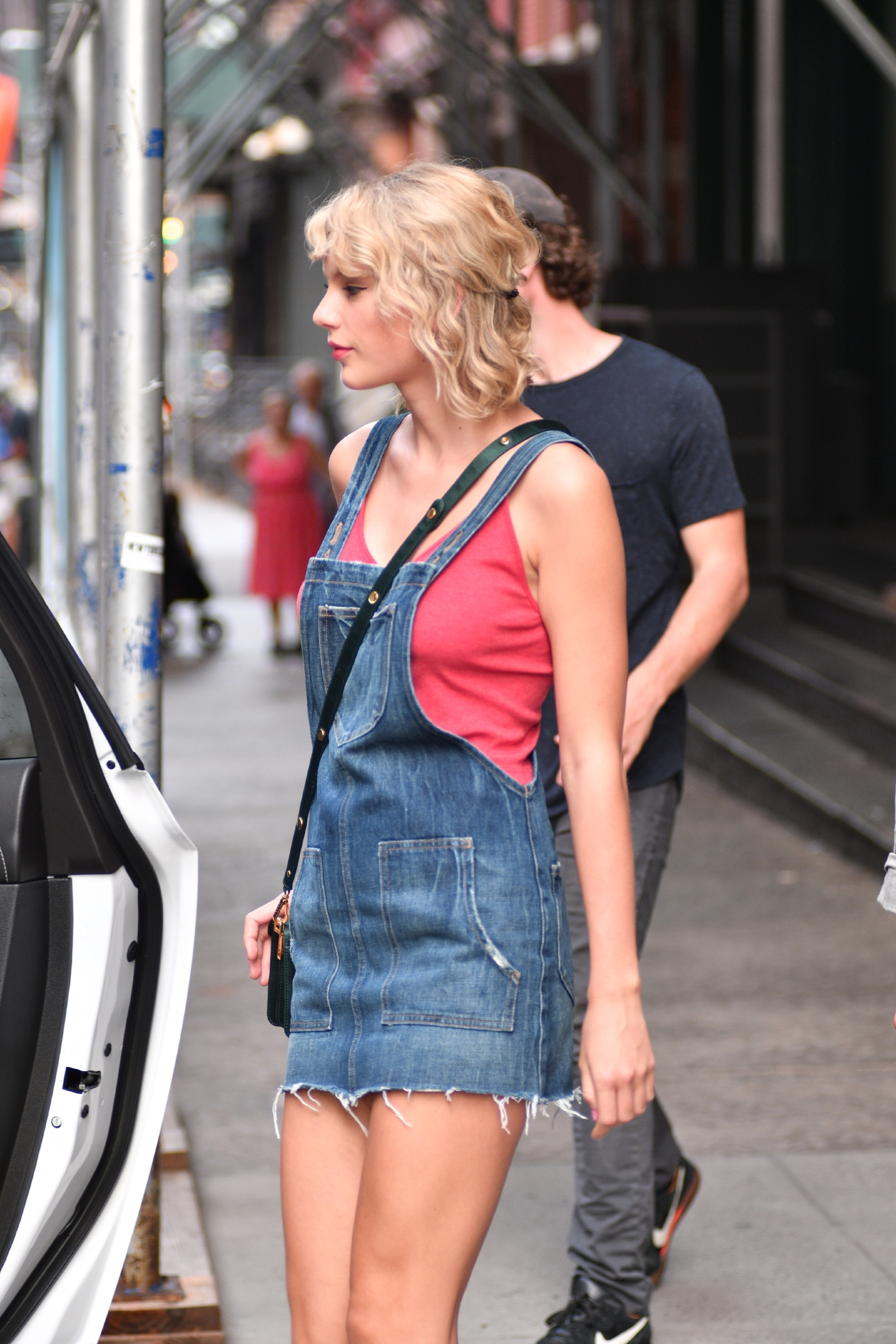Taylor Swift leaving her apartment in New York on Aug. 8, 2016. (TNYF/WENN.com)