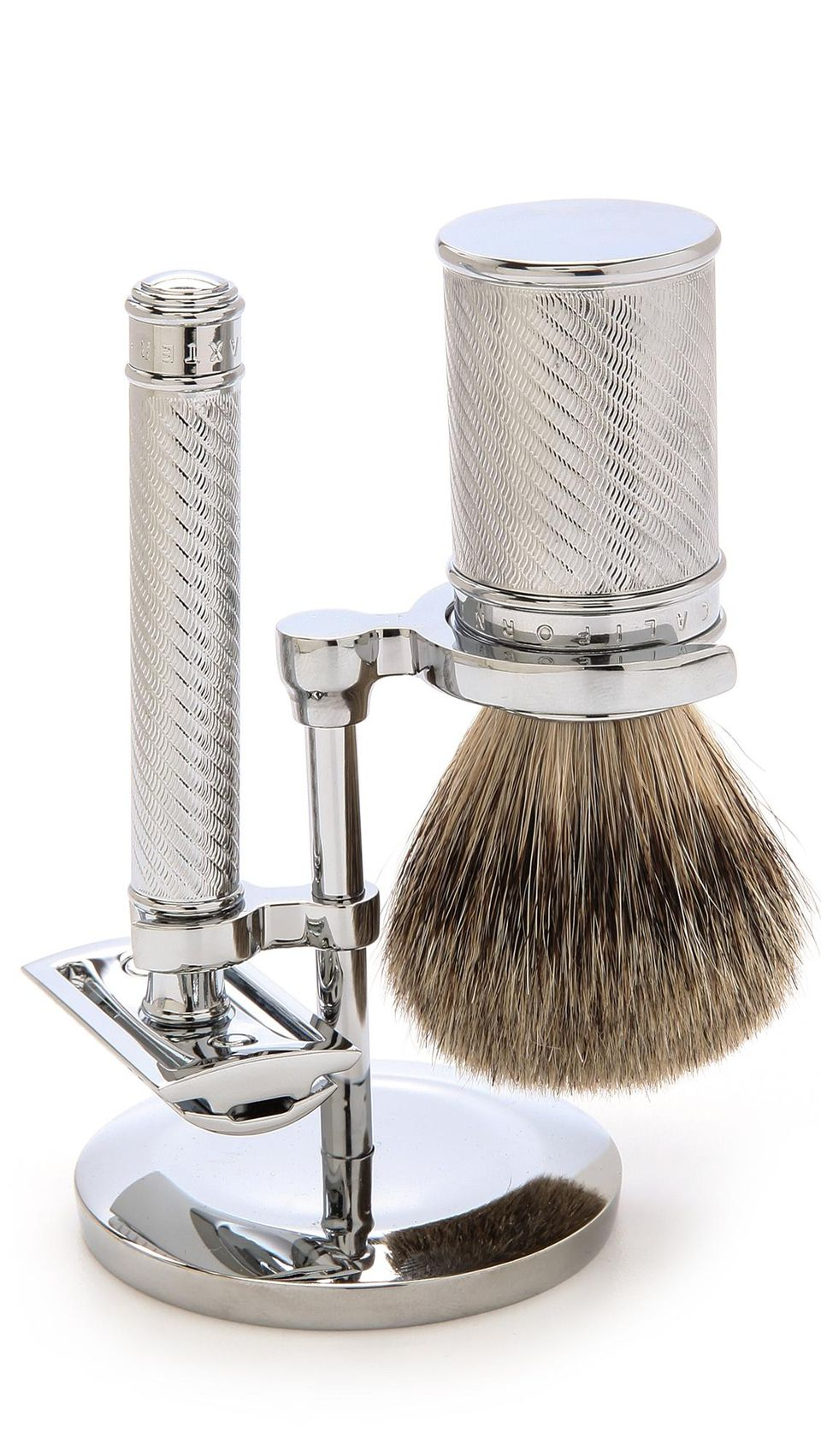 You want only the best for your dad's face with this Baxter of California Razor Set,  available now for $260. (Image:  EAST DANE)