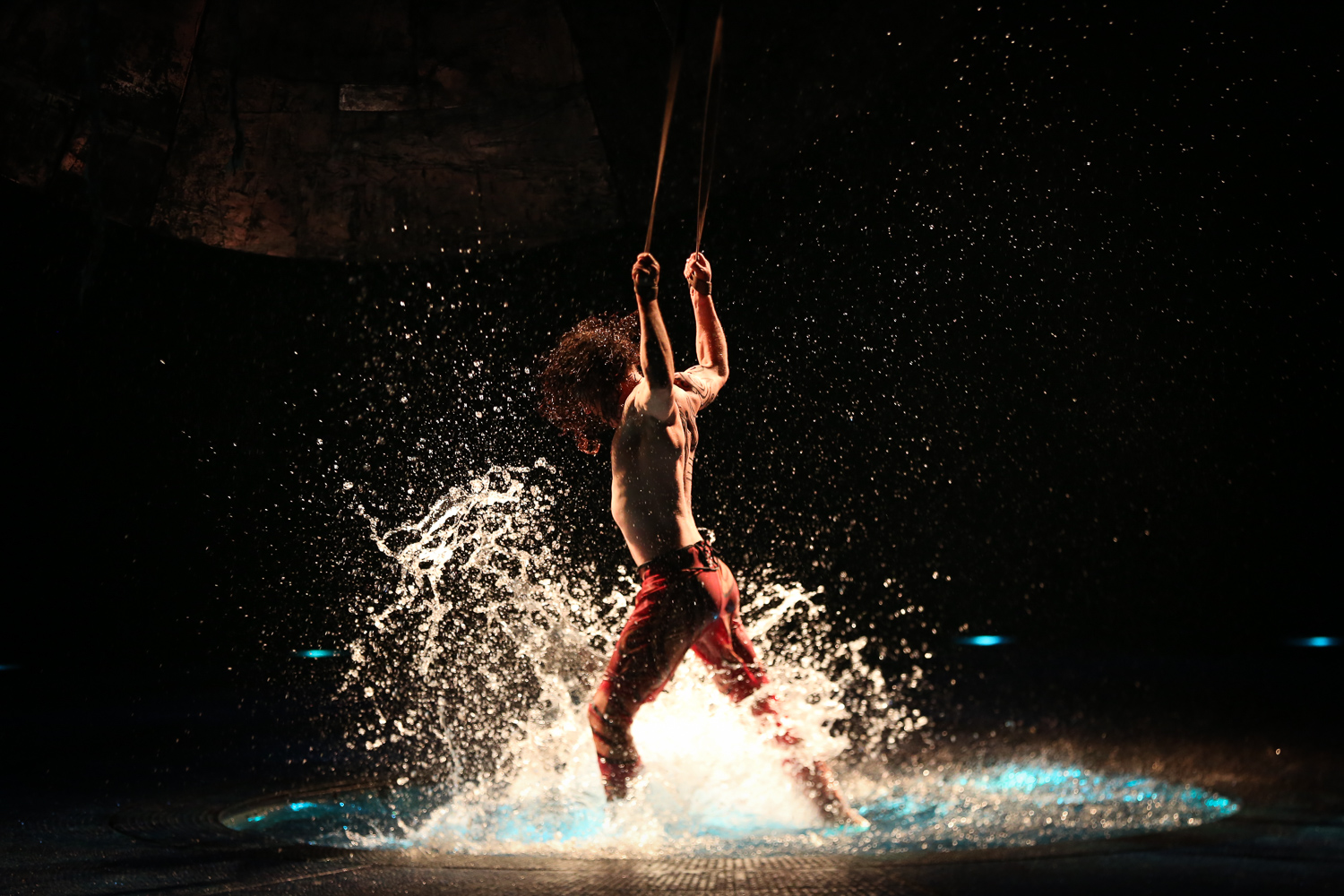 The water art in the show is breathtaking! (Image: Amanda Andrade-Rhoades/ DC Refined)