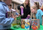 Girl Scouts sell cookies at Charleston police station (4).jpg