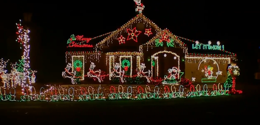 Brentwood man puts up award-winning Christmas display honoring wife in nearby nursing home (Fox 17 News)<p></p>