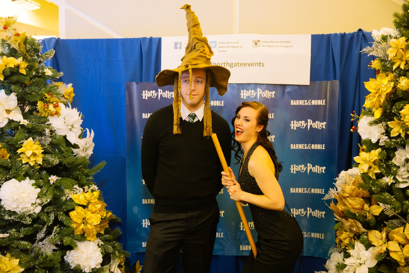 Hundreds of wizards and muggle alike, came to celebrate winter holidays with Barnes & Noble and Seattle Fashion Week. Their Winter Ball was a one-of-a-kind Harry Potter experience, featuring ballroom dancing, festive decor, photo booth, face painting, snacks, drinks and fashion shows presented by Seattle Fashion Foundation. People came dressed in Black-tie formal, dress robes or costumes all evening. (Image: Joshua Lewis / Seattle Refined)