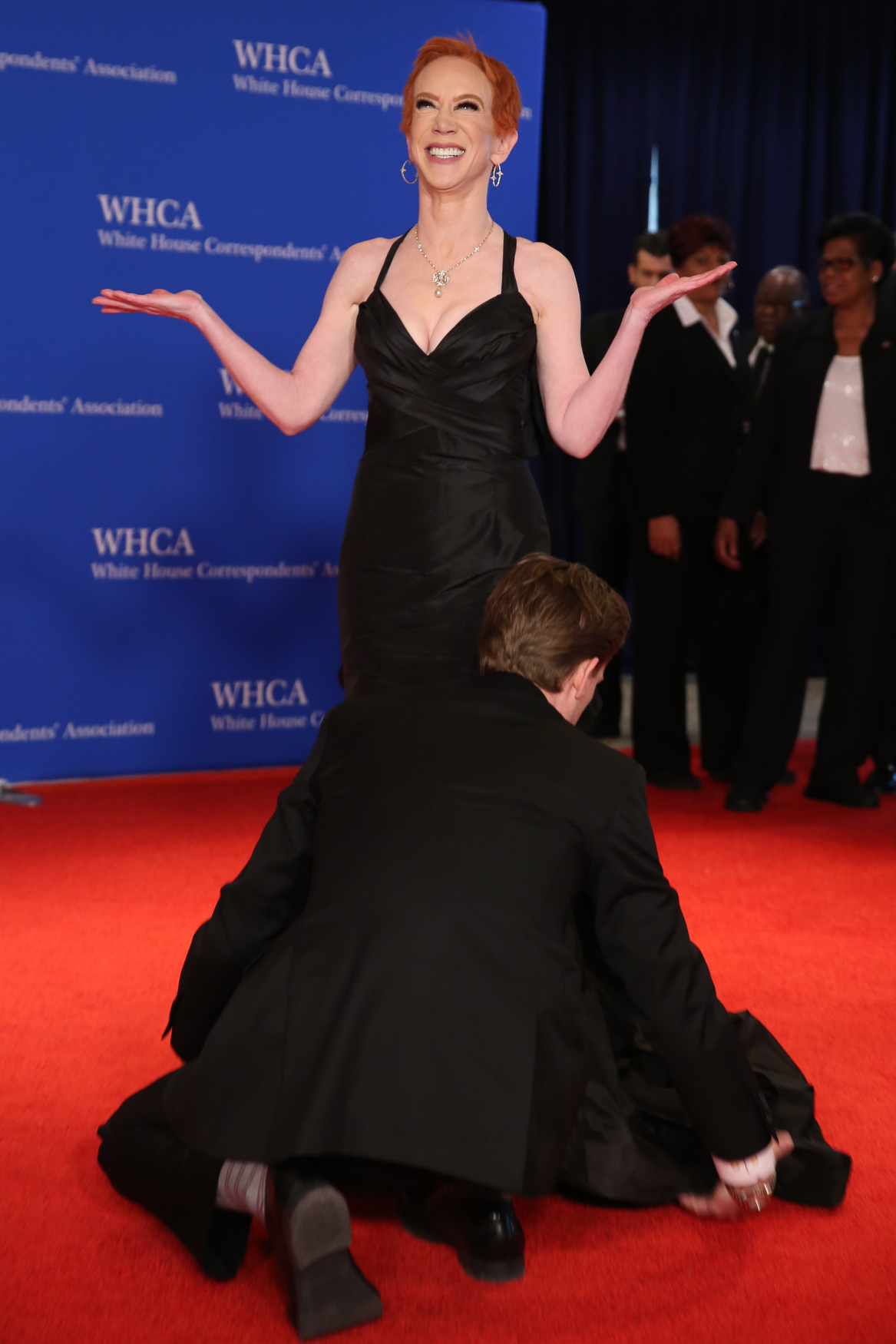 Kathy Griffin's dress is adjusted by her boyfriend Randy Bick.{ }(Amanda Andrade-Rhoades/DC Refined)