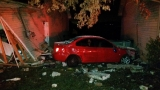 Driver crashes into Clarksville house, child in car at the time