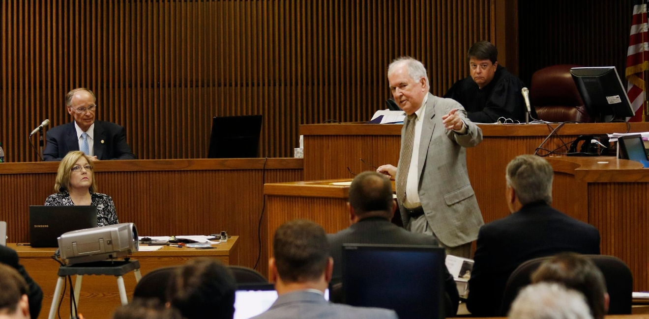 Defense attorney Bill Baxley asks questions of Alabama Governor Robert Bentley during Alabama Speaker Mike Hubbard trial on Wednesday, June 1, 2016  in Opelika, Ala.Todd J.Van Emst/Opelika-Auburn News/Pool