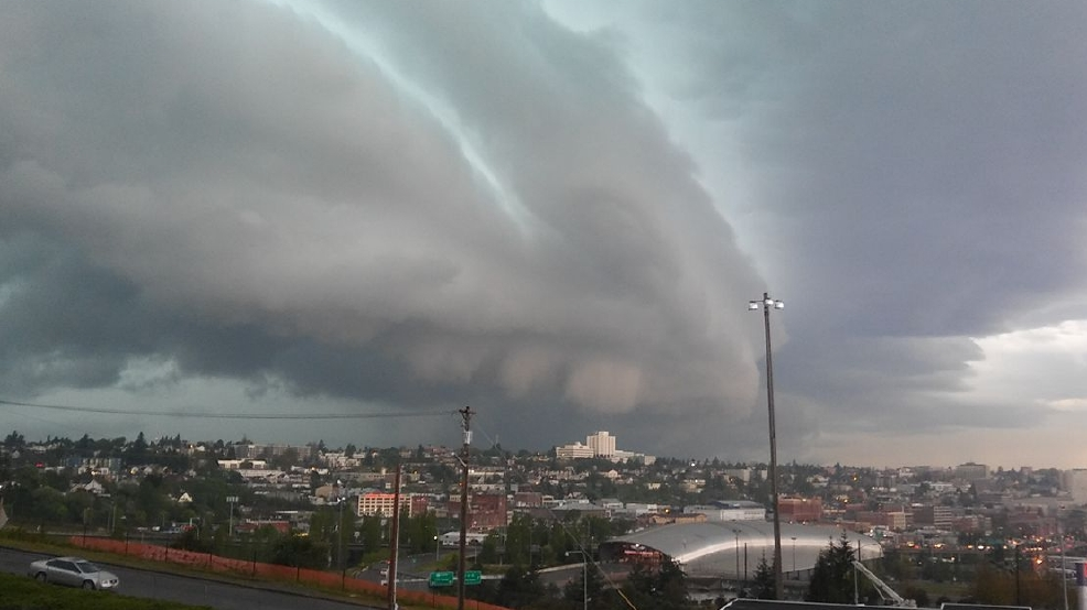 Photos: Ominous clouds invade Puget Sound region ahead of intense thunderstorms