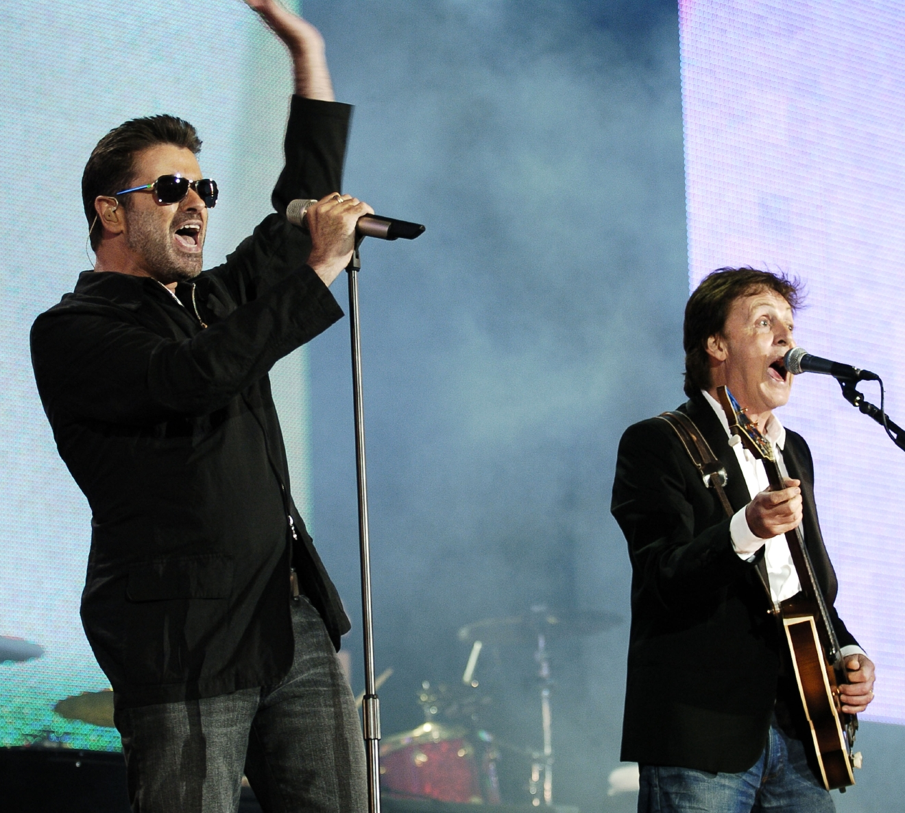 George Michael and Sir Paul McCartney performing live at the  Live 8 Make Poverty History concert held at Hyde Park, London, England - 02 Jul 2005.  Photo by: George Chin/IconicPix  Where: London, England, United Kingdom When: 02 Jul 2005 Credit: George Chin//IconicPix/WENN.com  **Only available for publication in UK, USA, Germany**