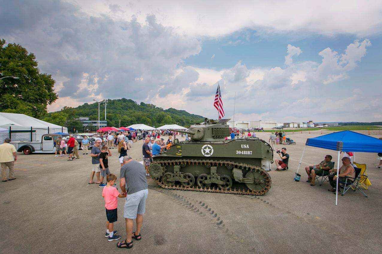 Cincinnati Museum Center hosted its annual 1940s Day at Lunken on Saturday, August 11. The event featured sounds by the P&G Big Band (among others), period-themed vendors, and plenty of vintage airplanes. / Image: Mike Bresnen Photography // Published: 8.12.18