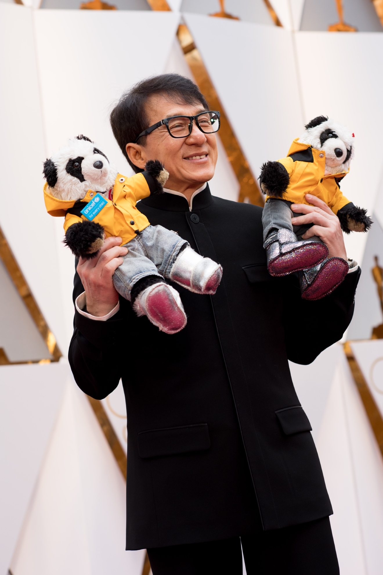 Jackie Chan arrives on the red carpet of The 89th Oscars® at the Dolby® Theatre in Hollywood, CA on Sunday, February 26, 2017. (Michael Yada / ©A.M.P.A.S.)