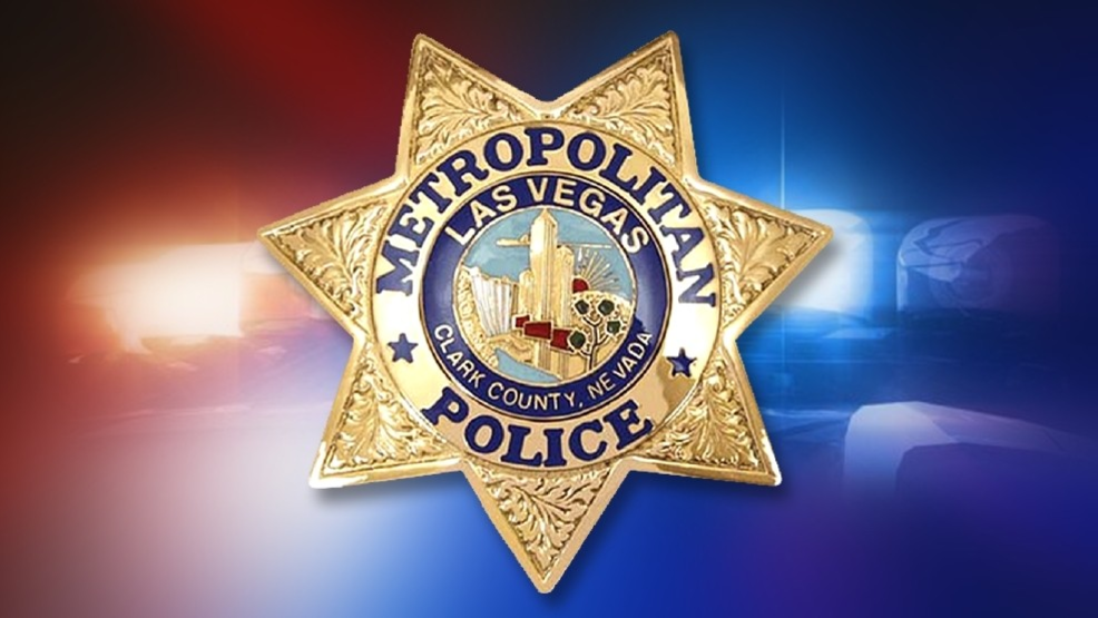 Apparent stabbing victim walks into to Las Vegas convenience store