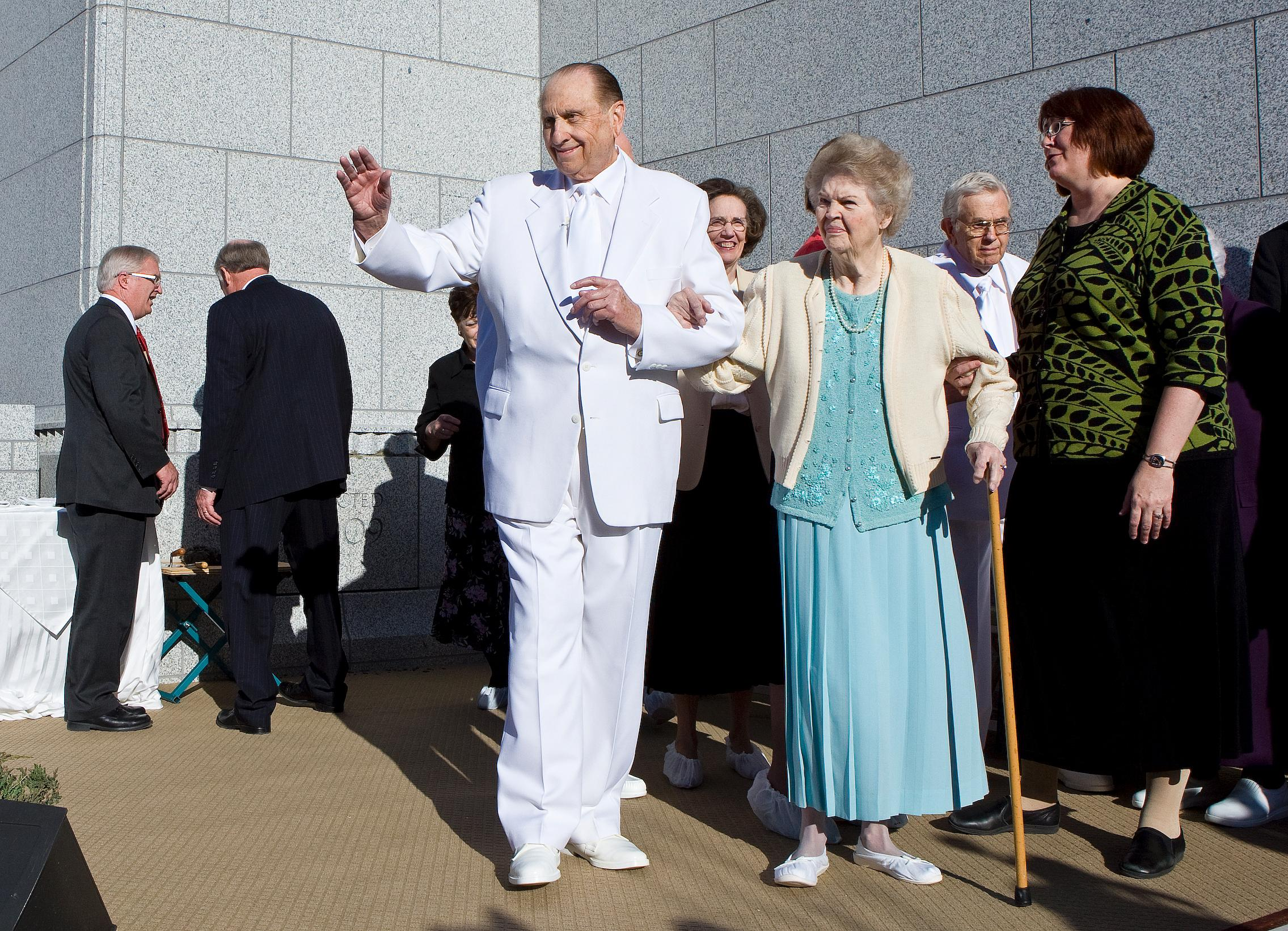 President and Sister Monson greet the crowd following the cornerstone ceremony at the Draper Utah Temple in March 2009. (Photo: MormonNewsroom.org)<p></p>