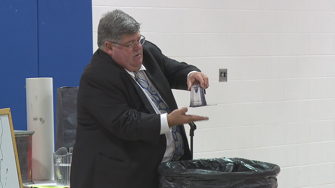 Meteorologist Jym Ganahl visited Marysville's Mill Valley Elementary on Friday. (WSYX/WTTE)v