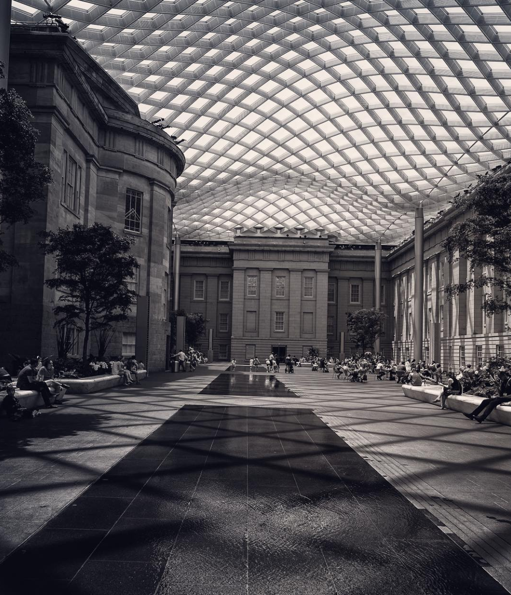 There's just no comparing the courtyard at the National Portrait Gallery. (Image via @instakanjo)
