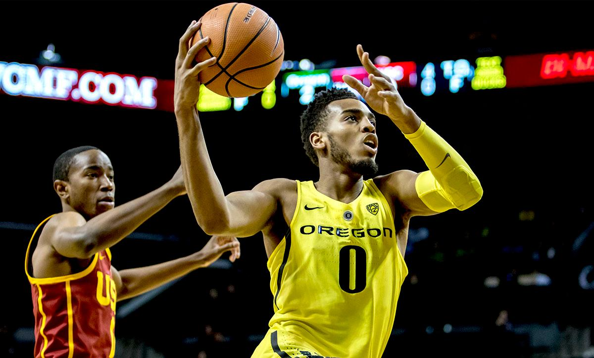 The Duck's Troy Brown Jr. (#0) jumps up for two points. The UO Ducks basketball team suffered a loss to the USC Trojans, 75-70, at Matthew Knight Arena on Thursday. Payton Pritchard lead the scoring with 18 points. The Duck?s are now 2-4 in conference play and 12-7 overall. The Ducks will next play the UCLA at Matthew Knight Arena at 7:15 p.m. on Saturday, Jan. 20. Photo by August Frank, Oregon News Lab