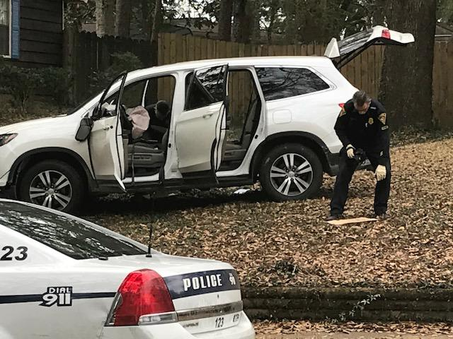 (image: WPMI) Mobile Police chase ends in crash, stolen guns recoveredsh