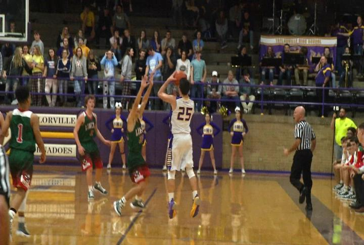 Lincoln holds off Taylorville to open Apollo Conference action 67-63