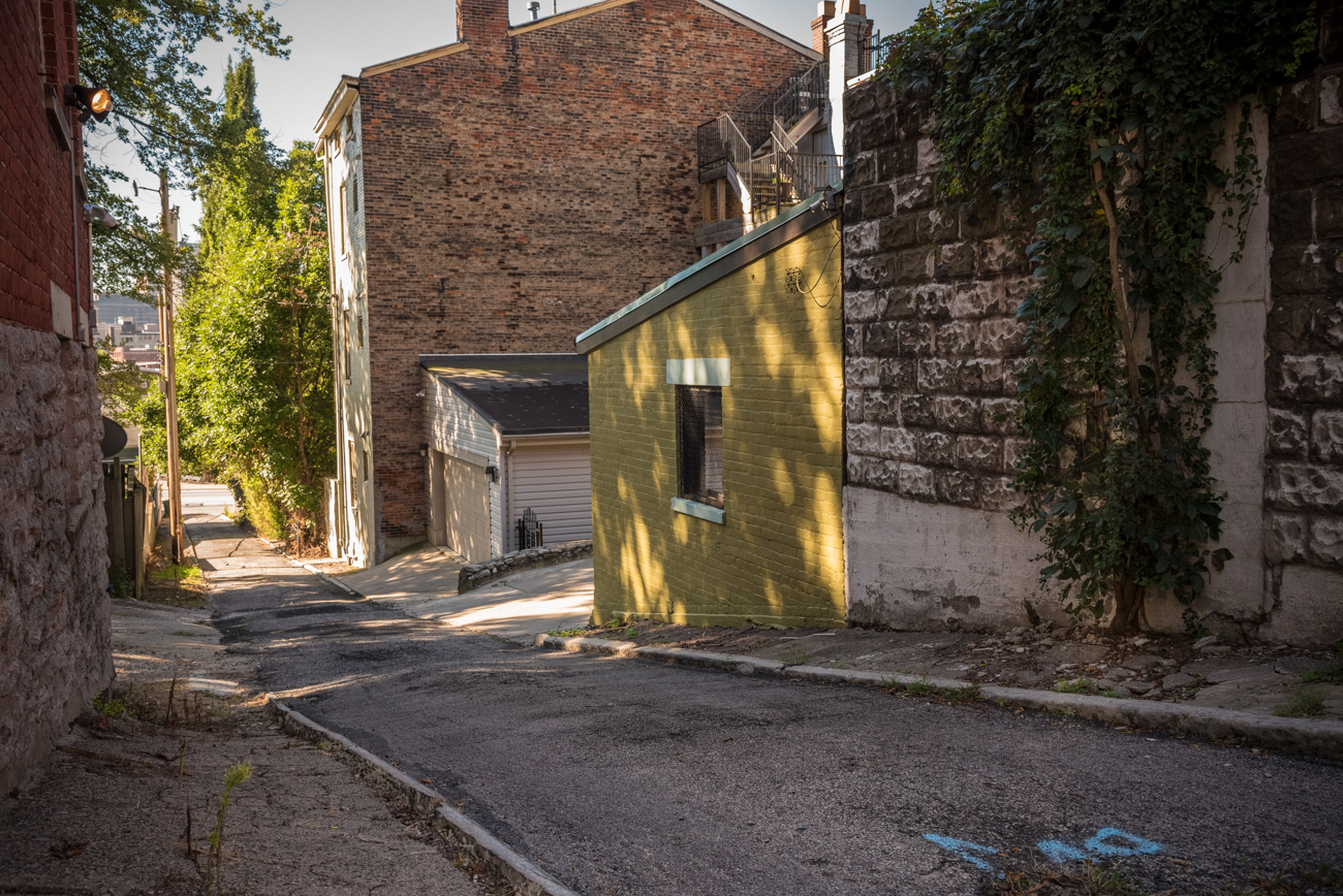 NAME: Von Seggern Alley / CONNECTS: Liberty Street to Boal Street / NEIGHBORHOOD: Mt. Auburn / Image: Phil Armstrong, Cincinnati Refined
