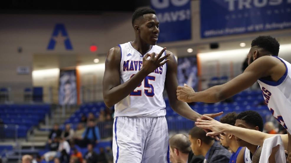Kevin Hervey earned the first Sun Belt Player of the Year award in UT Arlington's program history. (Photo by Gregg Ellman/Ellman Photography)