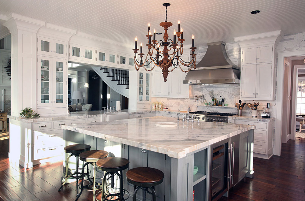 Don't judge a book by its cover - but you can in fact judge a kitchen by its cabinets. Here are some of our favorite kitchen interiors courtesy of Porch.