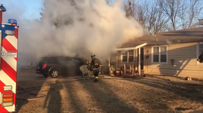 OKCFD crews battle house fire in the 1300 block of SE 40th St. (Wayne Stafford/KOKH)<p></p>