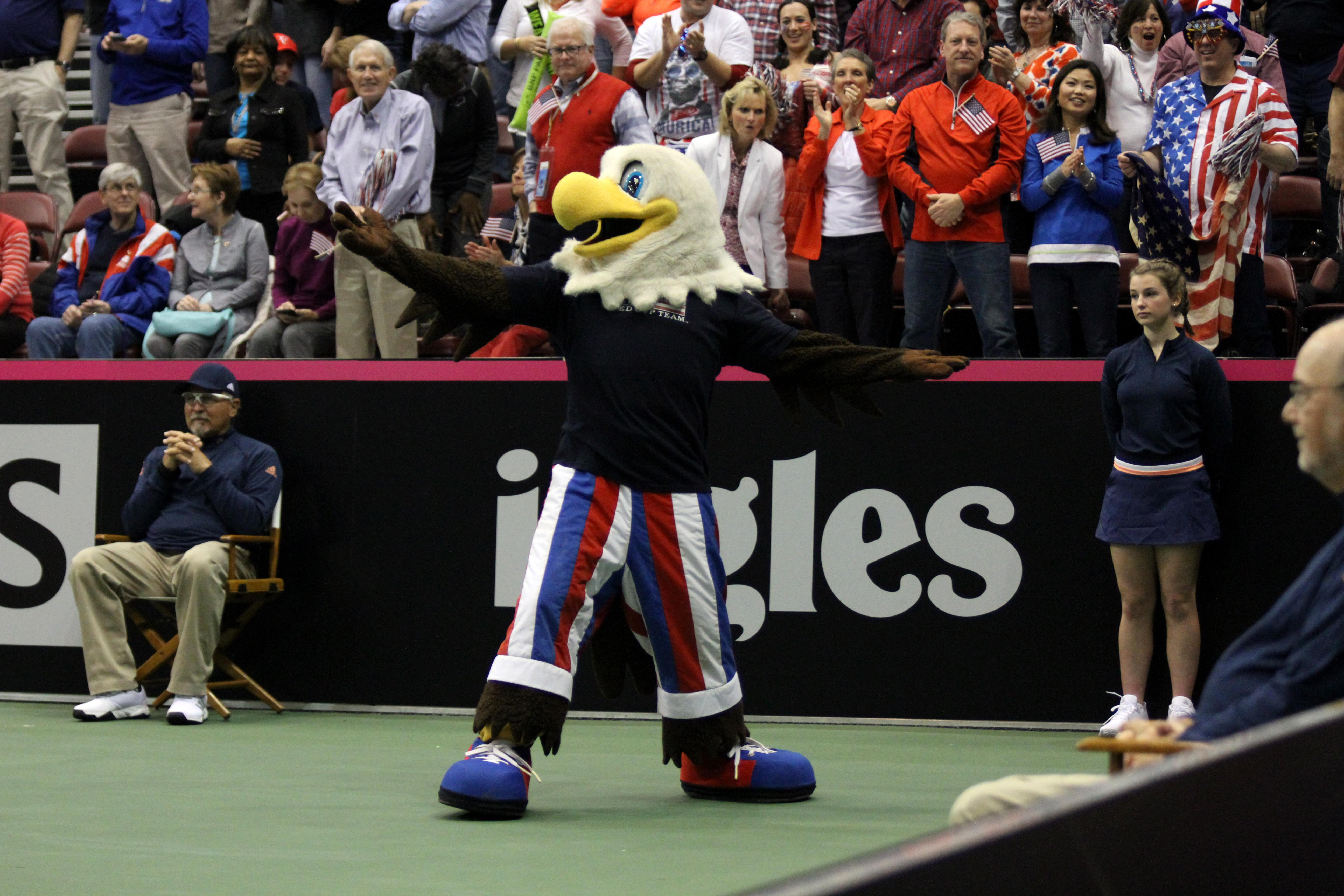 The scene at the Fed Cup on Saturday, Feb. 10, 2018. Venus Williams played Netherlands' Arantxa Rus and CoCo Vandeweghe played Netherlands' Richel Hogenkamp. Team USA won both matches. (Photo credit: Kelly Doty)