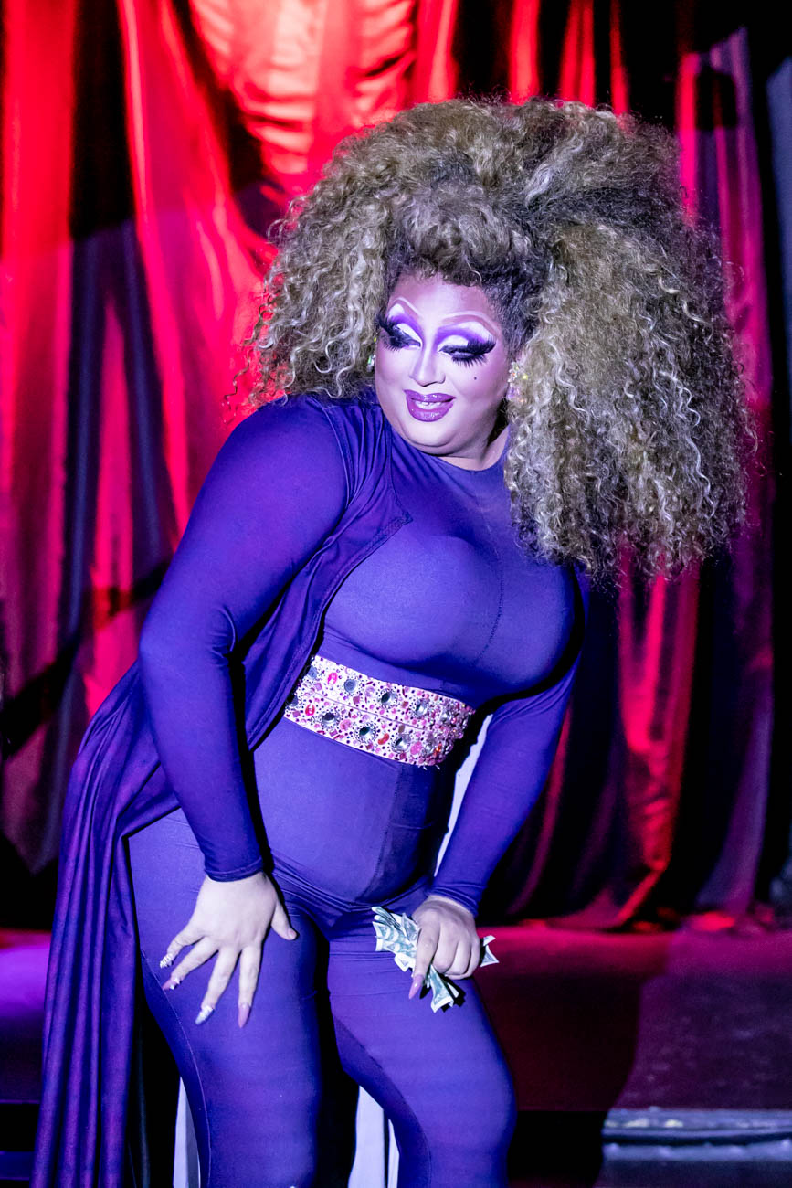 Performer: Sarah Jessica Darker / The Cabaret Drag Show is every Saturday evening from 11:30 p.m. to 1 a.m. at Below Zero Lounge. ADDRESS: 1120 Walnut Street (45202) / Image: Amy Elisabeth Spasoff // Published: 6.19.18