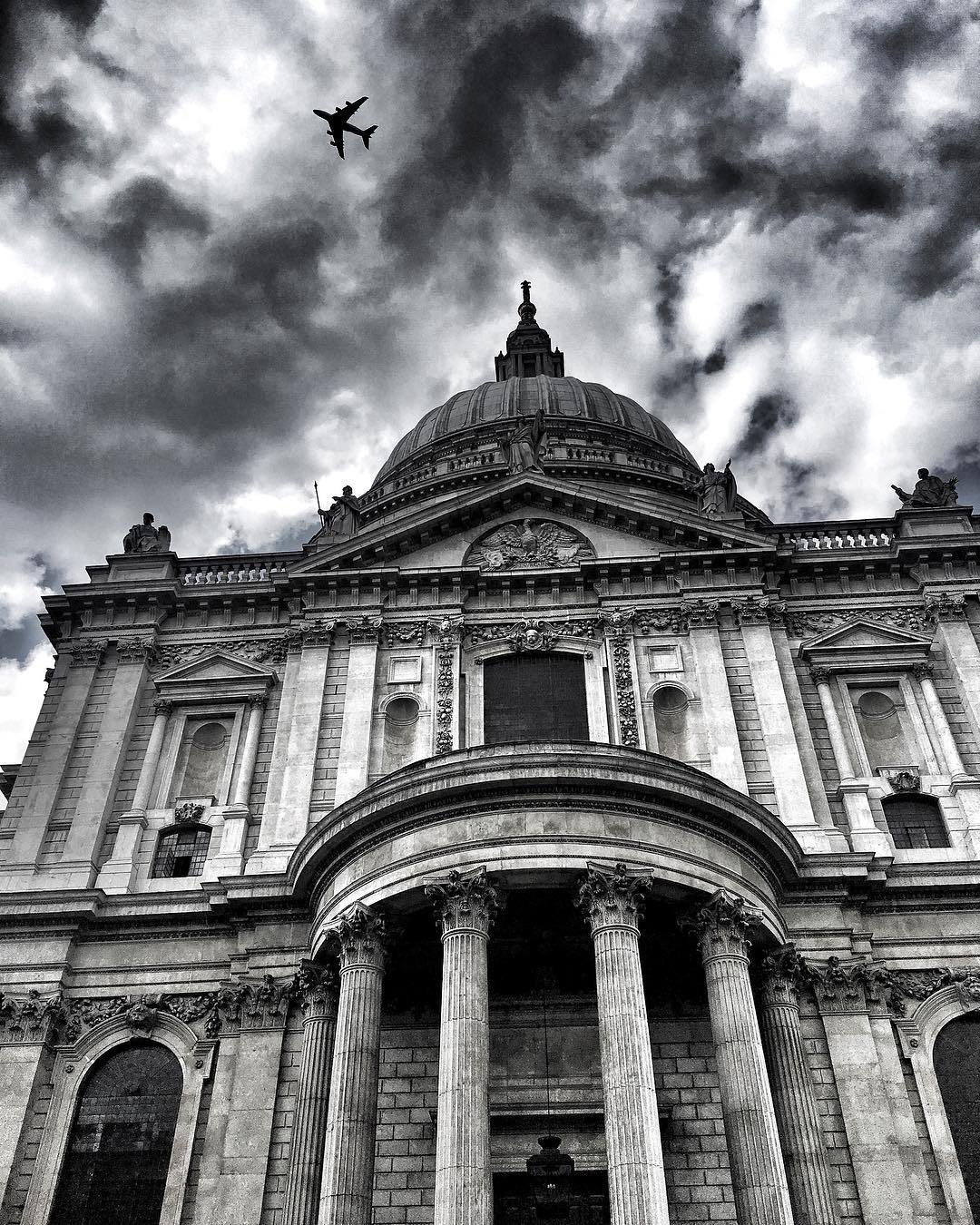 POST: St. Paul's looking pretty intimidating. / IMAGE: IG user @mattgriffin14 // PUBLISHED: 5.27.17