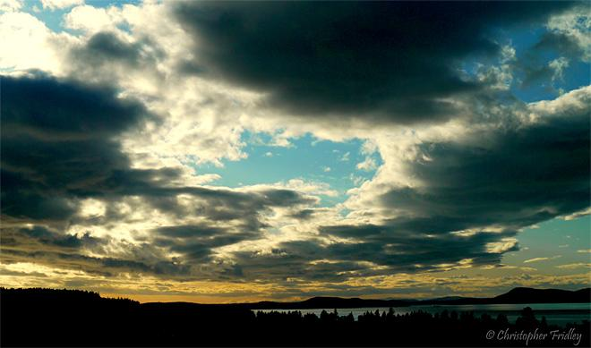 Menacing Sky over Anacortes (Photo Courtesy YouNews contributor: Tundra18)