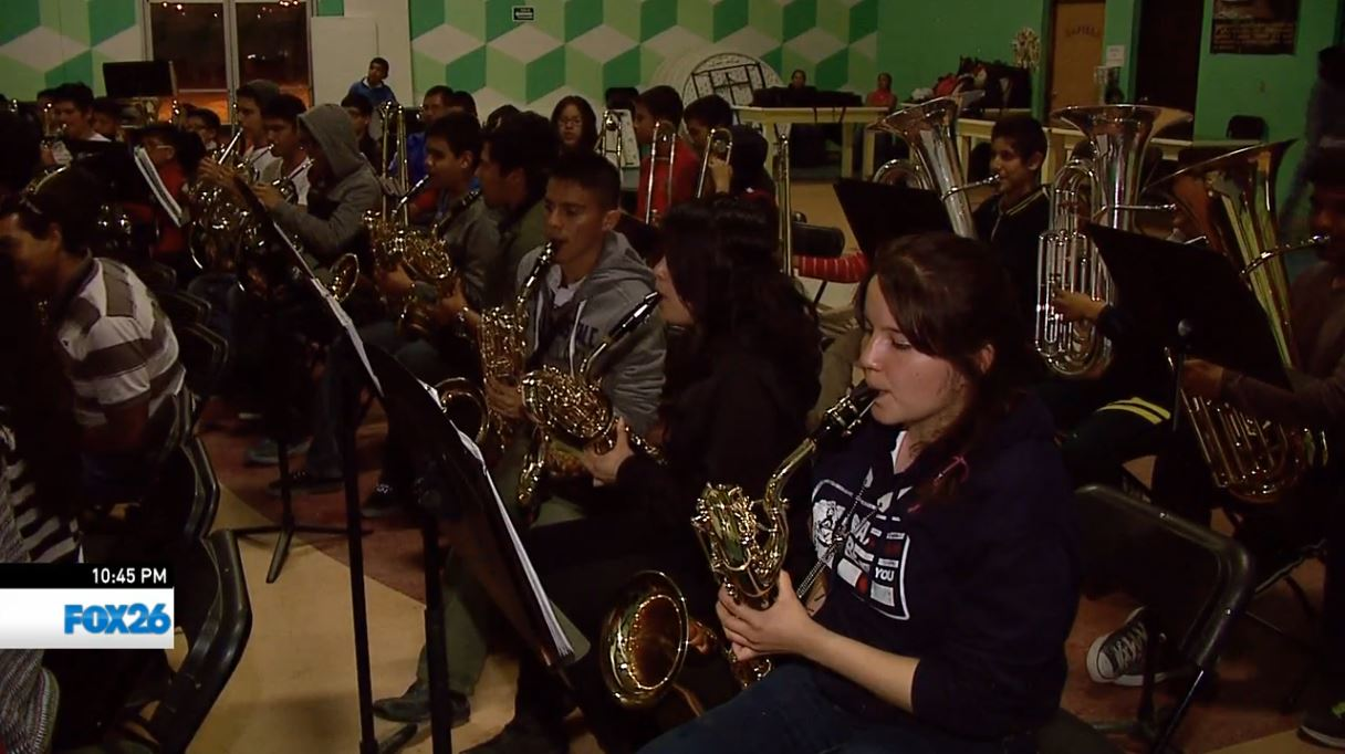 Students rehearsing to play for Pope Francis in Juarez, Mexico