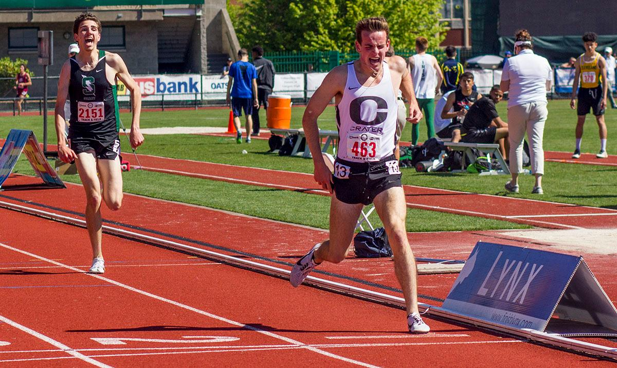 Andy Monroe of Crater High School wins the 5A Boys 3000 Meter Run on Friday with a time of 8:37.28 at the 2017 OSAA State Track and Field Championships at Hayward Field. Photo by: Stephanie Cusano, Oregon News Lab