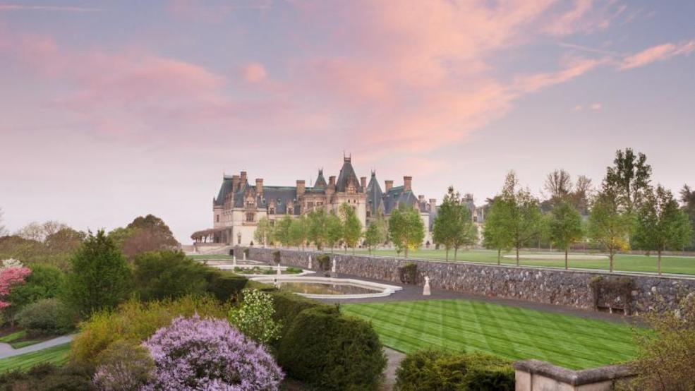 Biltmore Estate prepares to welcome in Spring