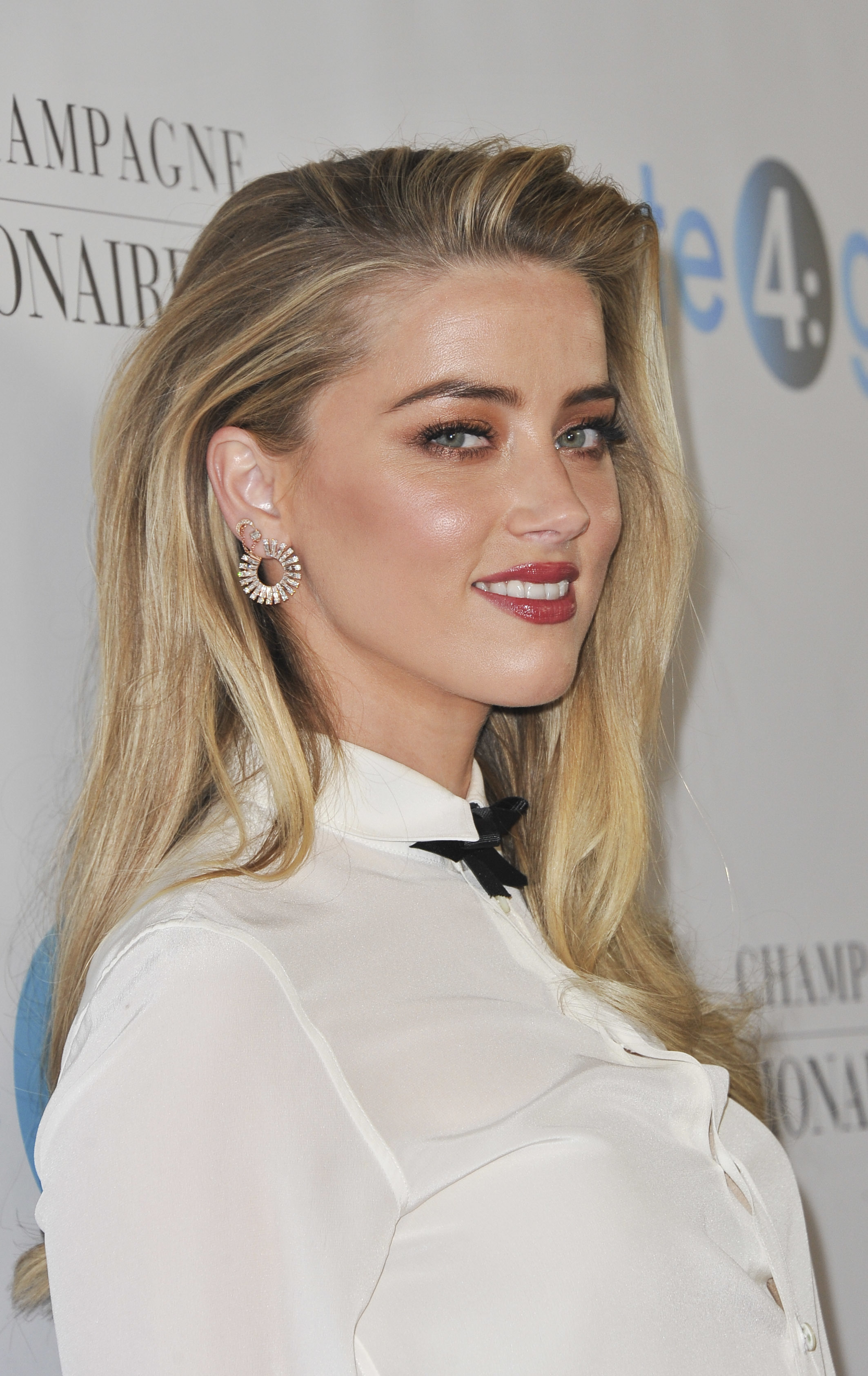 The 4th Annual Unite4: Humanity Gala 2017 - Arrivals  Featuring: Amber Heard Where: Los Angeles, California, United States When: 07 Apr 2017 Credit: Apega/WENN.com