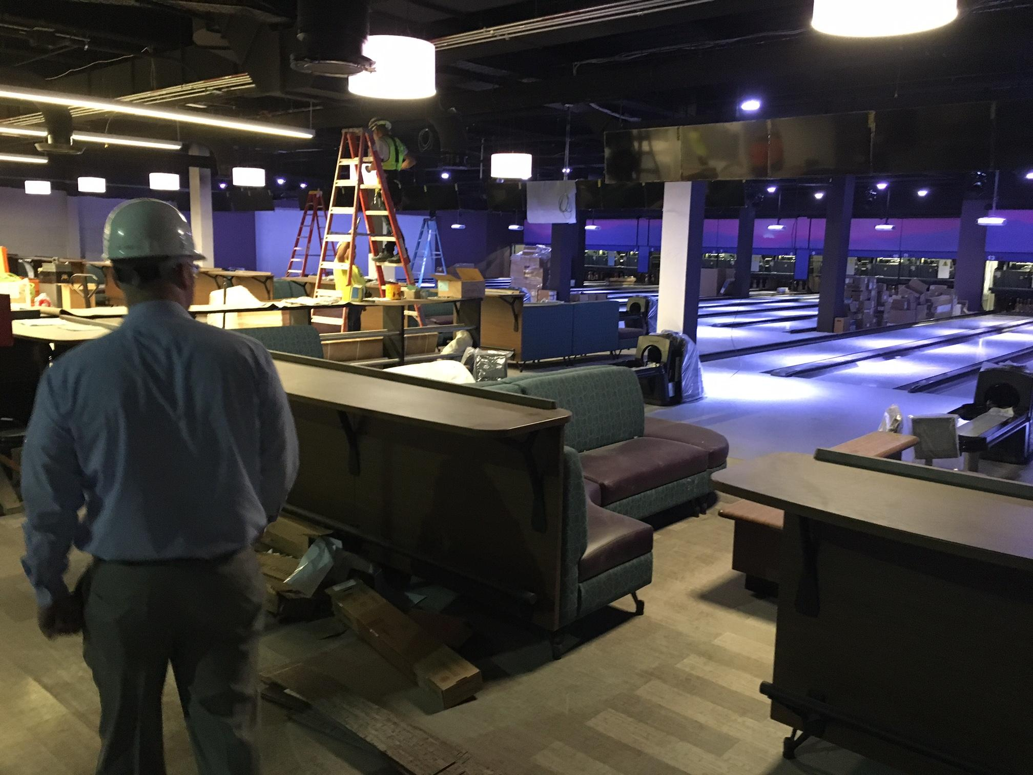 Harrah's Cherokee Casino expects bowling alleys and family-friendly entertainment to roll a business strike. Work is almost finished on a $13 million expansion that includes 24 bowling alleys on two levels. The first floor will have family-friendly entertainment with 16 bowling lanes, a 55-game arcade, a stage for music and shows and a restaurant. (Photo credit: WLOS Staff)