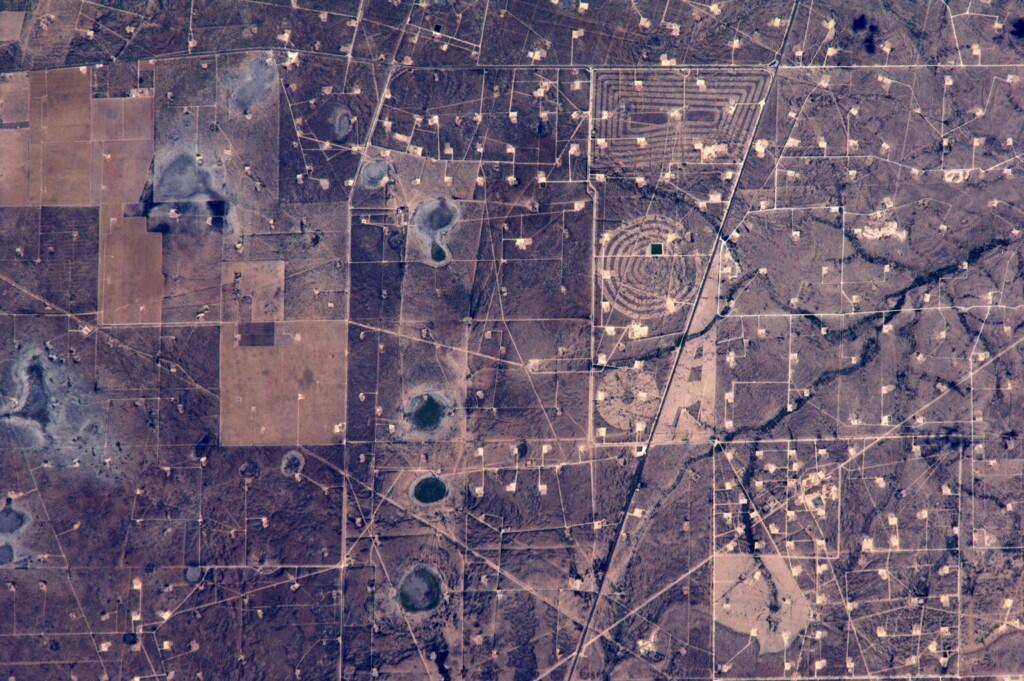 I think someone in #Midland #Texas is trying to tell us something. (Photo & Caption: Reid Wiseman, NASA)
