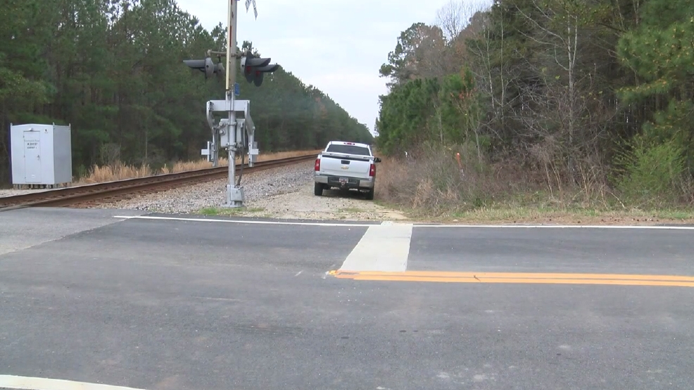 Residents upset over railroad crossing set to close near